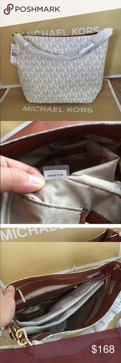 💚MK shoulder totebag Authenic brand new. Vanilla color MK signature. It's comes with MK dust bag 💝 Michael Kors Bags Totes