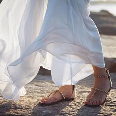 Michelle (@Runwayonthego) Beach calls for pretty sandals #beach #ootd #sandals #dress #wiw #fashionblogger