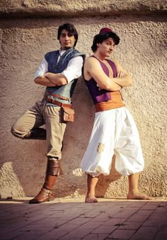 This could not be more PERFECT Aladdin was by favorite Prince and Flynn Rider is my favorite Modern Disney Prince <<< How did they make the best cosplay I may have ever seen how Aladdin Cosplay, Disney Cosplay, Old Disney, Disney Love, Disney Magic, Disney And Dreamworks, Disney Pixar, Disney Parks, Amazing Cosplay