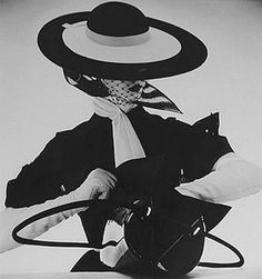 Photo by Irving Penn, 1950s.