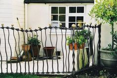 Spencer-Field-Larcombe-Organic-railing-1822341.jpg (400×269)