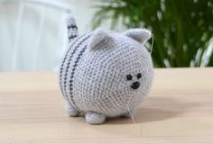 Free Cat Crochet Pattern - Red Ted Art - Make crafting with kids easy & fun Chat Crochet, Crochet Cat Toys, Crochet Animals, Free Crochet, Crochet Animal Patterns, Stuffed Animal Patterns, Crochet Patterns Amigurumi, Amigurumi Doll, Amigurumi For Beginners