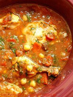 Marokkanische Hähnchenkeulen mit Kichererbsen aus dem Crockpot Crock Pot Soup, Crock Pot Slow Cooker, Slow Cooker Recipes, Crockpot Recipes, Food N, Food And Drink, Instant Cooker, Arabic Food, Savoury Dishes