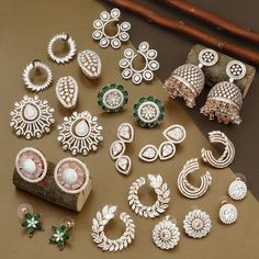 Real Diamond Earrings, Platinum Earrings, Diamond Earing, Diamond Jewellery, Jewelry Design Earrings, Gold Earrings Designs, Gold Jewellery Design, Ear Jewelry, Indian Jewelry Sets