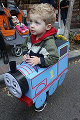 Homemade Thomas the Tank Engine Costume.  This is the best DIY costume I've found for Thomas.  Can't wait til Halloween!