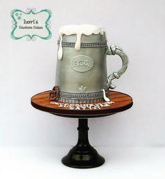 Beer!  by Lori Mahoney (Lori's Custom Cakes)