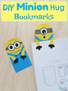The kids will squeal in delight with this easy DIY Minion Hug Bookmarks craft! Cool Paper Crafts, Cute Kids Crafts, Easy Arts And Crafts, Glue Crafts, Crafts For Kids To Make, Kid Crafts, Diy Crafts Bookmarks, Bookmark Craft, Monster Bookmark