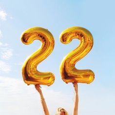 Almanacco - 22 Novembre - ꕥ Genesis. Guardian of Time ꕥ Happy 22nd Birthday, Happy Birthday Signs, Birthday Goals, Golden Birthday, Girl Birthday, Balloon Pictures, Happy Birthday Wallpaper, Birthday Photography, Tumblr Photography