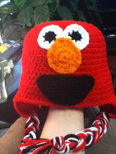 Crochet Elmo hat with/without braids/earflaps & bottom diaper cover).