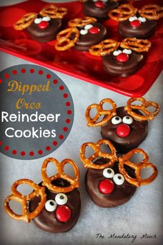 The Mandatory Mooch: Dipped Oreo Reindeer Cookies 11th Day Of Christmas, Christmas Snacks, Christmas Cooking, Noel Christmas, Christmas Goodies, Christmas Candy, Christmas Ideas, Holiday Cookies, Holiday Baking