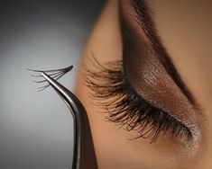 These Three Tricks Are the Secret to a Sexy Smize - It's all in the lashes.