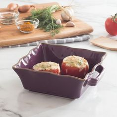 The classic design and vibrant colours bring an international flair to any table. Can be used in the oven, broiler or microwave and will not absorb odours or flavours. Go straight from baking to the table, making a beautiful presentation.