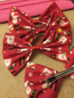 Christmas fabric hair bows #largebows #christmashairbows #christmasfabric #bigbows #largebows #hairaccessories #hairbows #girls #fashionbows