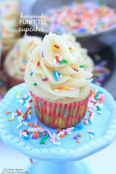 Homemade Funfetti Cupcakes An easy homemade version of funfetti cupcakes - soft and fluffy vanilla cupcakes loaded with sprinkles and topped with vanilla buttercream frosting. @LifeMadeSweeter