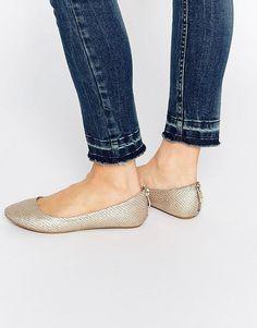 """Pin for Later: 65 flache Schuhe für die Braut, die Komfort bevorzugt  Call it SPRING """"Brevia"""" flache Ballerinas in Farbe Champagner (31 €)"""