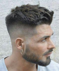 Bigote con barba corta