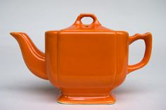 Homer Laughlin Pottery's Riviera line early variation teapot in radioactive red glaze, square shape body with rounded corners, c. 1936-1939, ceramic, USA ... colour name comes from the uranium oxide used in the glaze, which became unavailable for non-war use in the mid 1940s