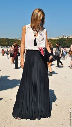 LONG SKIRTS I love a long skirt . (and I don't like the name maxi skirt by the way!) I love long skirts no matter if they are on. Beauty And Fashion, Look Fashion, Skirt Fashion, Fashion Clothes, Fashion Models, Spring Fashion, Net Fashion, French Fashion, Womens Fashion