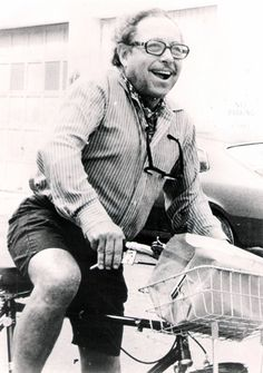 Tennessee Williams on his bike in #KeyWest