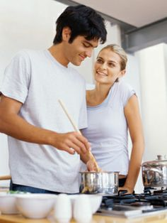 couple cooking \\ Smart Marriage Advice \\ Photo: Thinkstock / The Nest Cheap Date Ideas, Couple Cooking, Household Chores, Cooking Together, Relationship Issues, Relationships, Romantic Dinners, Sex And Love, Gourmet
