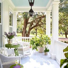 gorgeous porch gorgeous day! #porch #sundays #sunnydays repost @southernlivingmag