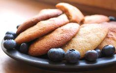 Wunderbar weiche aromatische Low Carb Erdnuss Cookies. Als kleiner Snack zum…