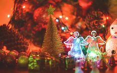Download wallpapers Christmas, New Year, glowing angels, decoration, Christmas balls, evening