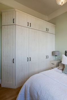 Our fitted bedrooms, kitchens & home office furniture perfectly fit into your home & lifestyle. At Hammonds we'll help you find the design that's right for you. Fitted Bedroom Furniture, Fitted Bedrooms, Bedroom Dressers, Closet Bedroom, Bedroom Storage, Home Bedroom, Modern Bedroom, Master Bedroom, Wardrobe Storage