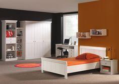 Cordoba van Recor, klassieke jeugdkamer met grote bedden en kleerkasten.