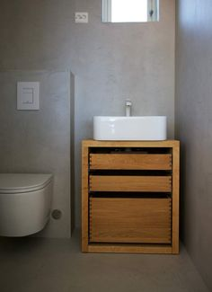 For oss på Hamran er kjøkkenet det viktigste rommet i huset, og vi ønsker å designe hvert enkelt kjøkken med sin egen personlighet. Velkommen til visning. Hamran kjøkken holder til på Snartemo i Vest Agder. Kjøkkenet tilpasses på mål og skreddersys etter dine ønsker. Vanity, Bathroom, Design, Dressing Tables, Washroom, Powder Room, Bathrooms, Vanity Organization, Downstairs Bathroom