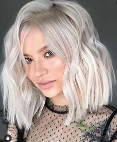 Discover the stunning shades of platinum pearl hair colors to make your hair loo… - Platinum Blonde Hair Edgy Haircuts, Girl Haircuts, Undercut Hairstyles, Pearl Blonde, Pearl Hair, 2018 Hair Color Trends, Platinum Hair Color, Blonde Bob Haircut, Lob Haircut