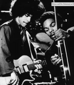 prince playing bass | Prince and Dez onstage, Prince is playing his L6S