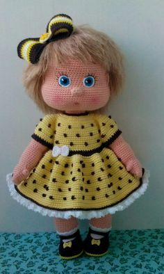 Though not an English tutorial, this written pattern will be helpful when I want to create a shapely face. The numbers – BuzzTMZ – BuzzTMZ Free Crochet Bag, Crochet Dolls Free Patterns, Crochet Doll Pattern, Cute Crochet, Doll Patterns, Crochet Toys, Knit Crochet, Crochet Doll Clothes, Knitted Dolls