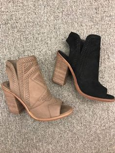 Nordstrom Anniversary Sale Top Ten Must-Haves - Bottes Women's Shoes, Cute Shoes, Me Too Shoes, Shoe Boots, Ankle Boots, Flat Shoes, Boot Heels, Shoes Sneakers, Beige Shoes