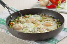 Refogado prático de ervilha, ovos e queijo