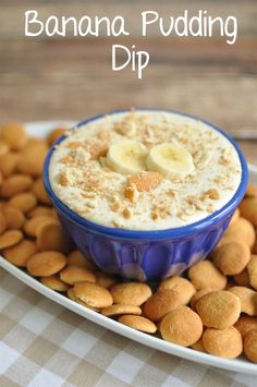 Banana Pudding Dip- Easy dessert dip recipe that tastes like banana pudding. - Banana Pudding Dip- Easy dessert dip recipe that tastes like banana pudding. Great party dip for yo - Dessert Crepes, Low Carb Dessert, Dessert Dips, Banana Dessert, Trifle Desserts, Potluck Desserts, Dessert Table, Banana Pudding Dip, Bannana Pudding