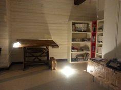 Mobilebasso realizzato in legno osb e ferramenta di recupero. Design e realizzazione Studio Tecnico e di architettura Cravedi Cottini Castell' Arquato Piacenza . tutti i diritti riservati