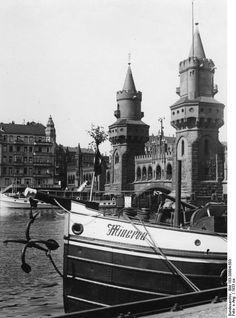 Berlin 1933 Die Oberbaumbruecke Berlin Spree, Ww2 Facts, Good Old Times, Dream City, Berlin Germany, Beautiful Buildings, Historical Photos, Art History, American History