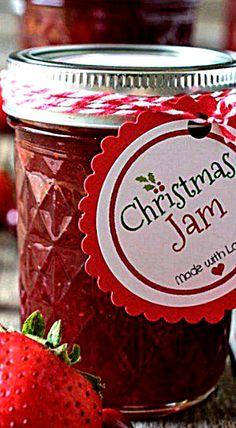 Homemade Strawberry and Cranberry Christmas Jam ❊