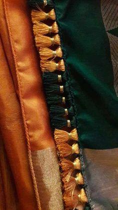 18 Awesome Pics of saree kuchu designs crops Saree Kuchu New Designs, Saree Tassels Designs, Silk Saree Blouse Designs, Blouse Patterns, Silk Thread Bangles Design, Silk Bangles, Simple Blouse Designs, Simple Sarees, Embroidery Saree
