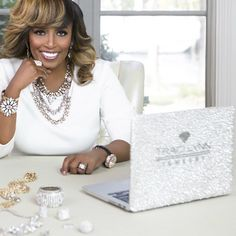 Dr. Traci Lynn established her brand in 1989 with a goal to continue to empower her consultants and create a legacy business.