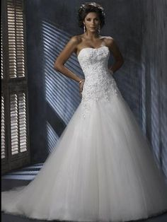 Beautiful Strapless Sweetheart Neckline Sheath Tulle Wedding Dress