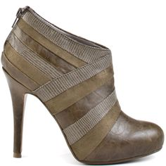 """i've never been big on the """"bootie"""" but i'm starting to come around. might get a pair for fall."""