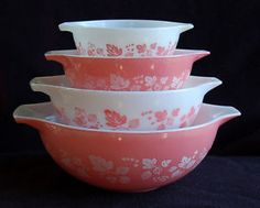 Vintage Pyrex Bowls - Pink and White