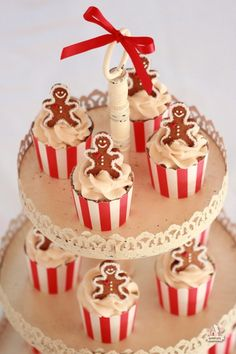 Christmas Cupcakes - Maple Syrup Cupcakes with Maple Sugar Frosting via Sweetopia.