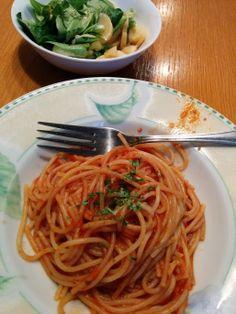 Christina schmeckt Pasta mit Tomatensauce immer! Und es geht schnell!