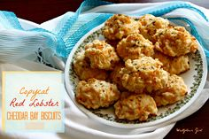 Copycat Red Lobster Cheddar Bay Biscuits - because using Bisquik and calling it a recipe is pathetic. (Made Use less parsley next time - about Artisan Bread Recipes, Quick Bread Recipes, Baking Recipes, My Favorite Food, Favorite Recipes, Cheddar Bay Biscuits, Cheese Biscuits, Vegetarian Side Dishes, Florida