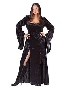 Lure men back to your lair with a potion of seduction. The Sultry Sorceress Plus Size Costume includes a black gown with attached hood. The alluring beauty of this wardrobe is absolutely spellbinding.