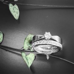 Classic weddingrings in white gold