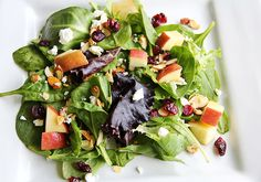 TaylorMade Market | Organic Baby Spring Mix Salad with Apples, Cranberries, Goat Cheese and candied almonds | http://www.taylormademarket.com
